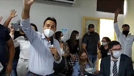 Reunião do Patriota que aceitou Bolsonaro teve tumulto e gritos de golpe