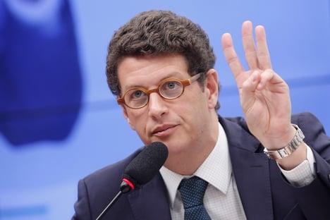 Delegado que fez buscas contra Salles perde cargo de chefia na PF