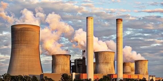 Produção industrial cai em abril e fica abaixo do patamar pré-pandemia