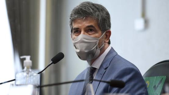'Existia um desejo do presidente para adotar protocolo da cloroquina', diz Teich na CPI da Covid