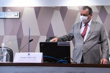 """Omar Aziz, sobre o fim da CPI da Covid: """"É mais fácil acertar os números da Mega-Sena"""""""