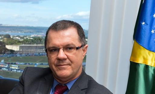 CPI rejeita convocação de Carlo Gabas, o motoqueiro de Dilma