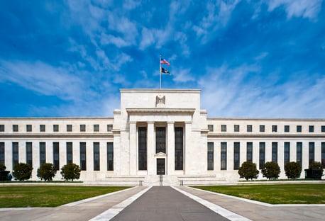 BC dos EUA mantém juro perto de zero, mas sinaliza altas até fim de 2023