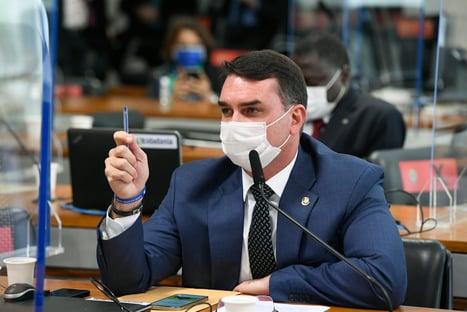 Flávio Bolsonaro terá acesso aos documentos sigilosos da CPI da Covid