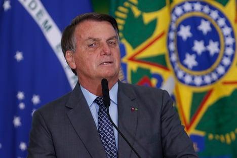 Bolsonaro promete juros lá embaixo para PMs comprarem casa própria
