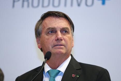 Bolsonaro passeia de moto com 'golpista de araque'