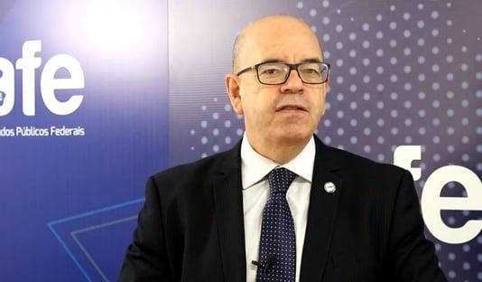 """Entrevista: """"Tem que ter quarentena para chefe da AGU ser indicado ao STF"""""""