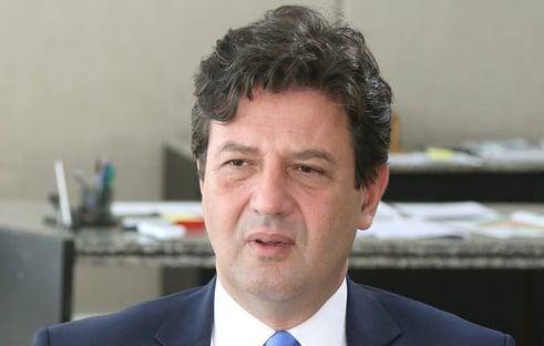 Mandetta: não minta, Bolsonaro, ninguém te proibiu de nada