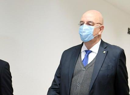 Osmar Terra minimizou soluço de Bolsonaro, diz jornal: Em 99% dos casos, não é nada