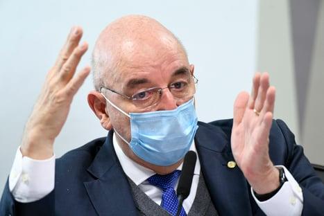 """""""Sua versão para enfrentamento à pandemia está errada"""", diz Otto a Terra"""