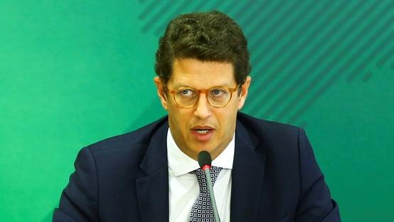PGR diz que oposição não pode pedir investigação contra Salles