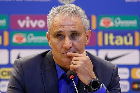 """Tite diz que organização da Copa América é """"atabalhoada"""""""