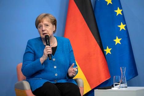Merkel recebe dose da Moderna depois de se vacinar com AstraZeneca