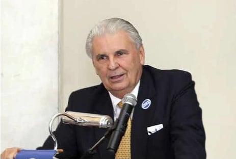 Pai de Eduardo Paes morre de Covid no Rio