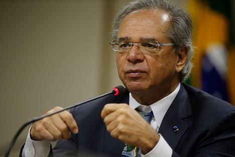 Já tem espaço orçamentário para ampliação do Bolsa Família, diz Guedes