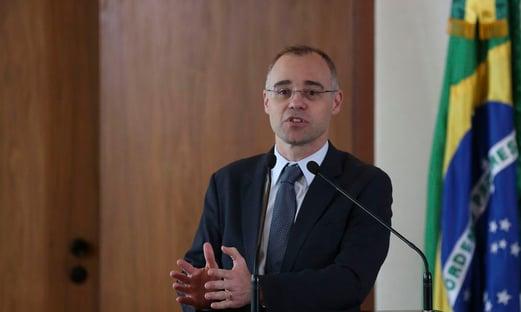 André Mendonça pede apoio da bancada feminina para ter nome aprovado pelo Senado