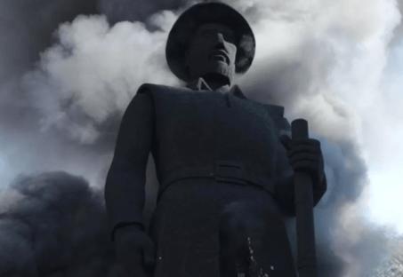 Estátua do Borba Gato em chamas