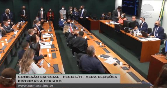 Leia o relatório da reforma política apresentado hoje na Câmara