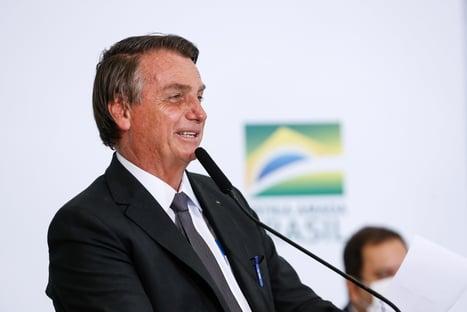 """""""Bolsonaro agora tem uma defesa mais forte que a do Corinthians"""""""