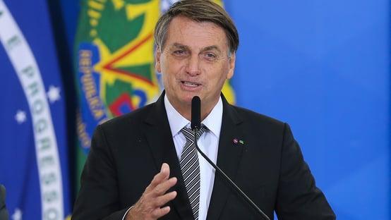 """Bolsonaro diz que Barroso é """"contra transparência das eleições"""""""