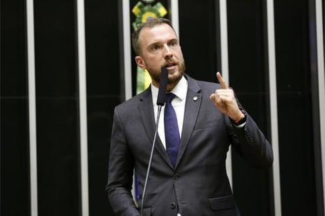 Vinicius Poit é aprovado como pré-candidato do Novo ao governo de SP