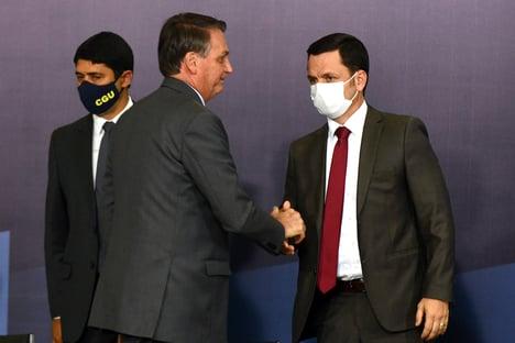 Ministro da Justiça vai participar de live em que Bolsonaro promete mostrar provas que não tem