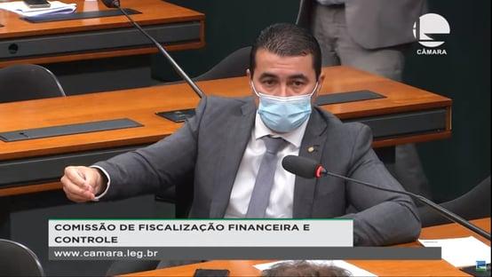 """Miranda diz que Bolsonaro """"deve ter feito alguma coisa"""" para investigar Covaxin"""