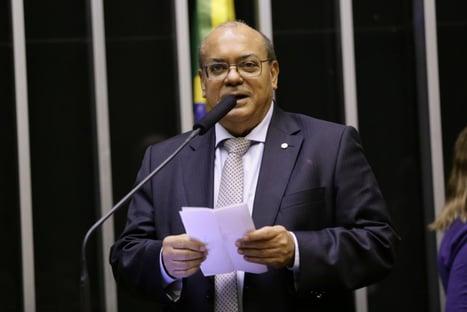 Depois de Aécio, outro deputado do PSDB deixa Comissão do Voto Impresso