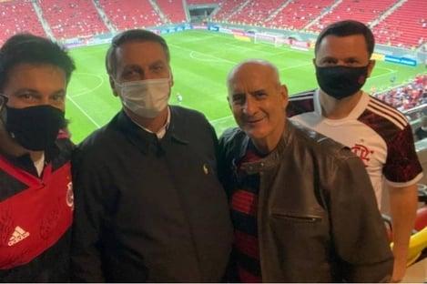 Após ser chutado da Casa Civil, Ramos posta foto com Bolsonaro