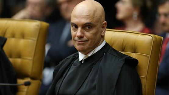 Moraes dá 30 dias para Bolsonaro ser ouvido pela PF