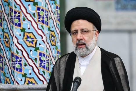 Açougueiro de Teerã toma posse como presidente do Irã