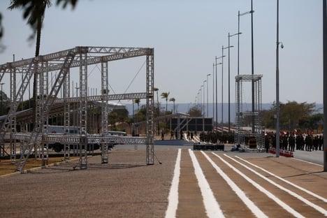 Exército monta estrutura em Brasília para festejar Dia do Soldado