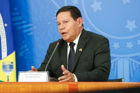 """Mourão diz que atos por impeachment """"foram bem aquém daquilo que podia se esperar"""""""