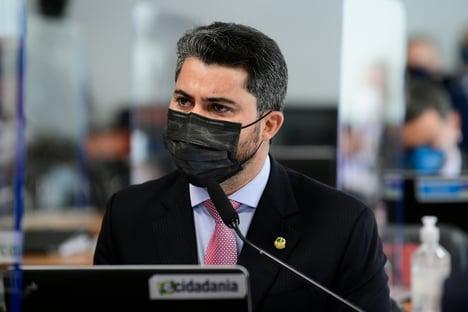 Bordão de Marcos Rogério vira piada entre senadores