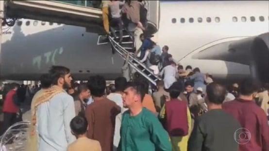 Urgente: explosão no aeroporto de Cabul