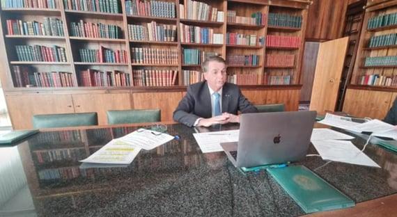 """""""Ele vai se sair bem lá"""", diz Bolsonaro, sobre depoimento de Barros"""