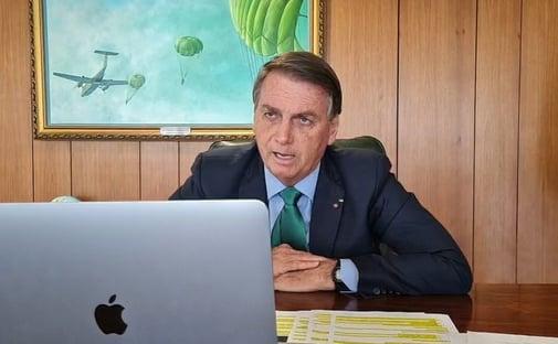 Bolsonaro insiste em mentira e acusa TSE de propagar fake news