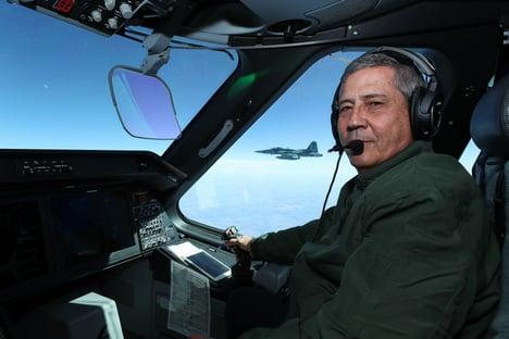O escambo do Ministério da Defesa bolsonarista