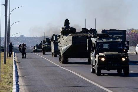 Operação com desfile de blindados custou R$ 3,7 milhões
