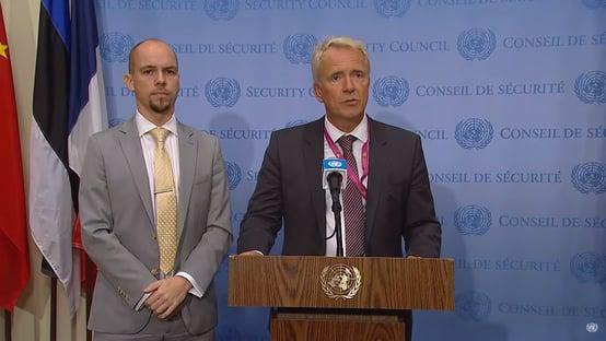 Diplomata da Noruega não responde se país vai reconhecer Talibã como governo