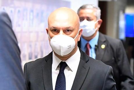 Ex-secretário diz que atuou sem salário na Saúde após convite de Roberto Dias e nega pedido de propina