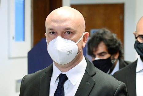 CPI suspeita que ex-secretário da Anvisa discutiu venda de testes rápidos com Nise Yamaguchi