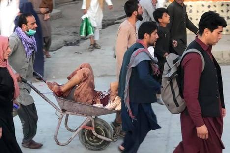 Mortos em ataque a Cabul já são pelo menos 60, diz a BBC