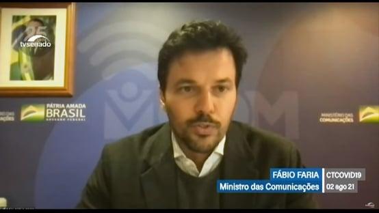 """Sem mencionar veto de Bolsonaro, Faria diz que crianças """"ficaram 1 ano e meio sem estudar"""""""