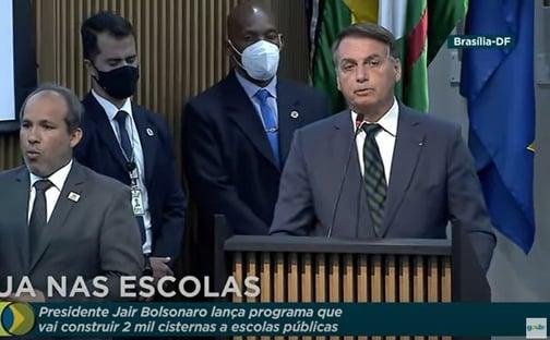 """""""Teremos uma farsa no ano que vem?"""", questiona Bolsonaro, sobre eleições"""