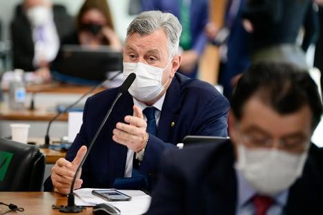 Heinze reproduz vídeo sem contexto e acusa Otto de defender ivermectina