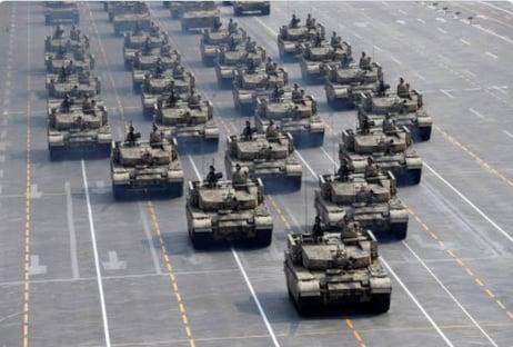 Deputado bolsonarista usa imagem da China para exaltar desfile de tanques