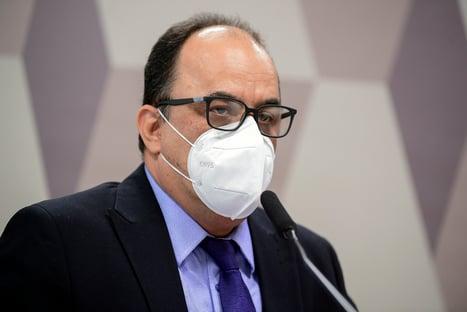 """Reverendo chama de """"bravata"""" citações a Bolsonaro e primeira-dama nas mensagens de Dominguetti"""