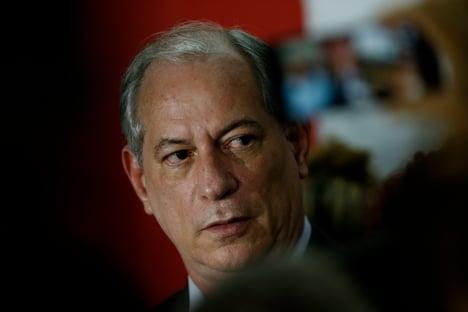 "Ciro chama Dilma de ""incompetente"" e diz que errou ao lutar contra impeachment dela"