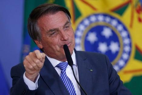 Bolsonaro mantém agenda, apesar de orientação para quarentena
